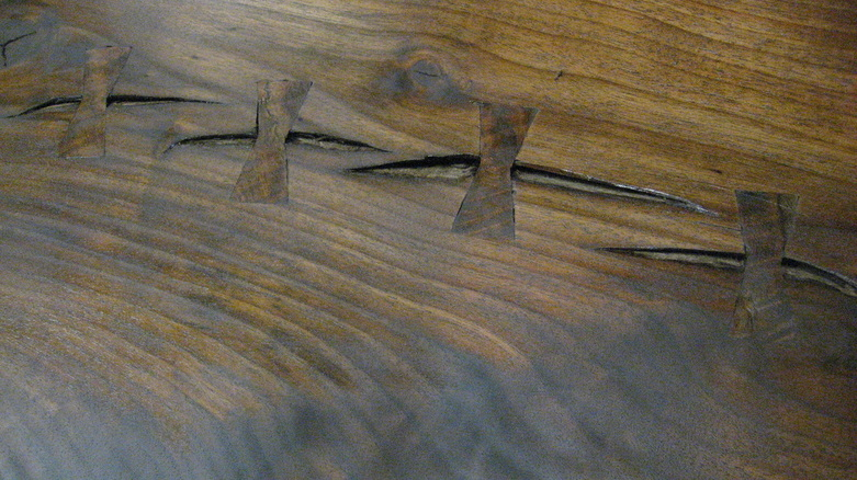 Large Walnut Bench, details